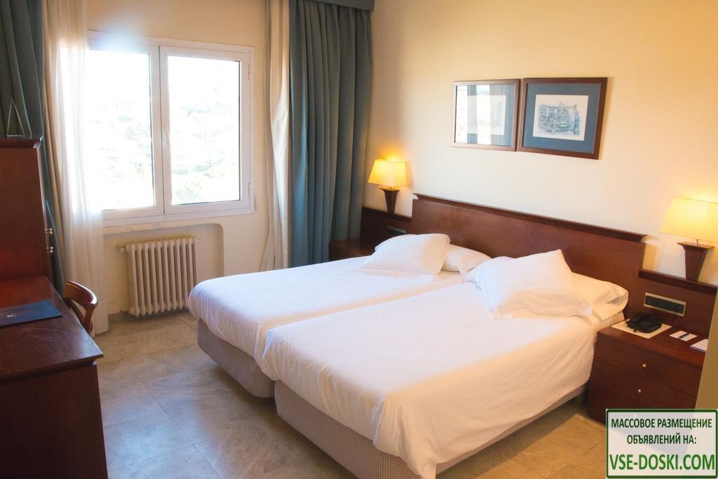 Роскошный отель четыре звезды, в Sant Feliu de Guixols.