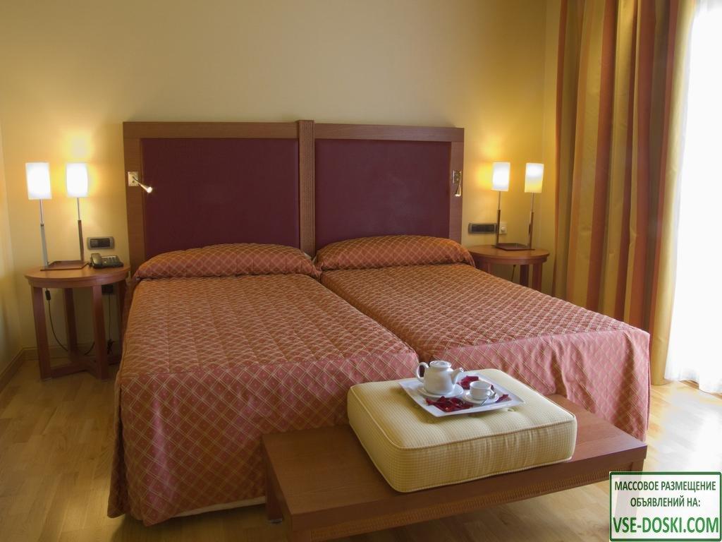 Отель пять звезд, с wellness и гольф-полем, в Almeria.