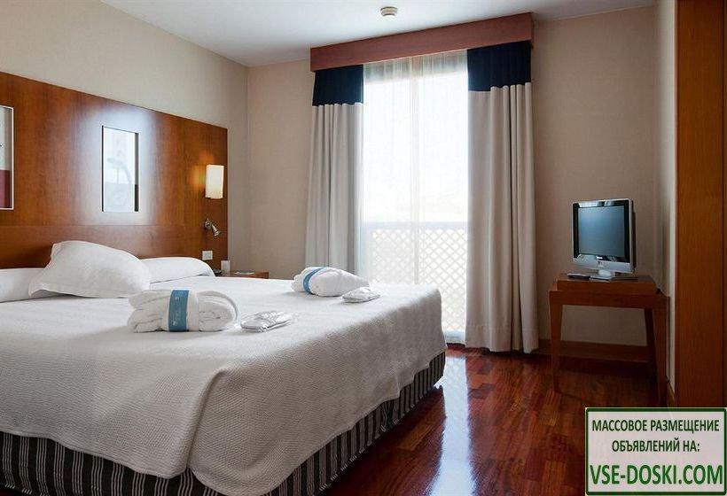 Отель четыре звезды, на побережье, в регионе Малага.
