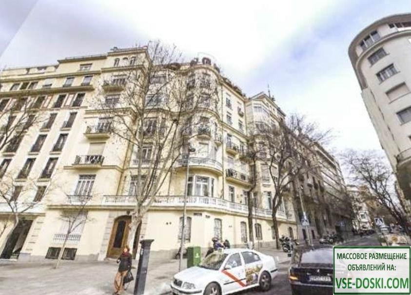 Здание в центре Мадрида.