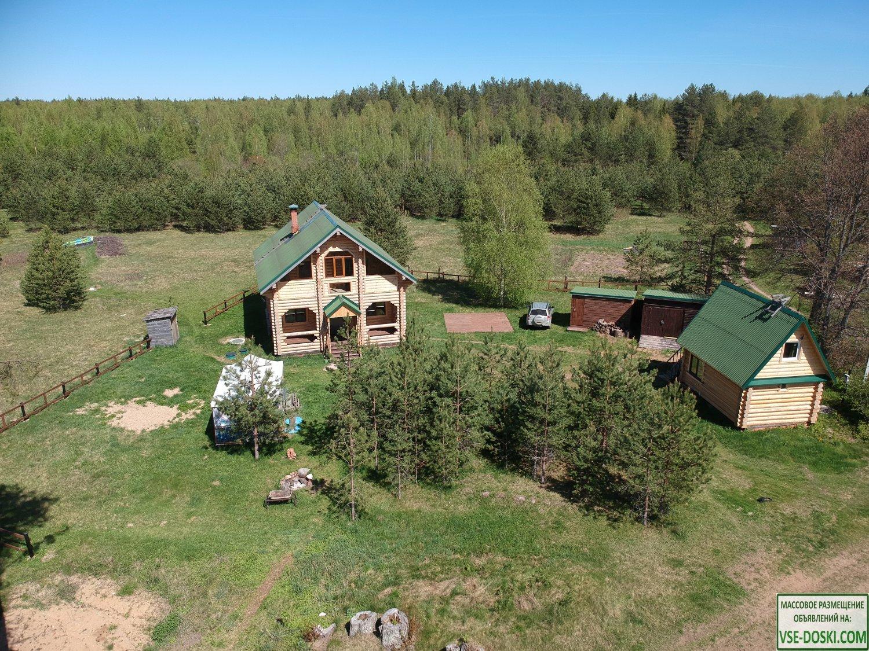 Деревянный 2-х этажный дом в лесу на берегу реки с в/у (кухня, санузел, душ, баня)